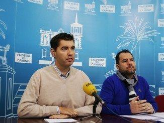 El alcalde ha presentado las nuevas ordenanzas junto al concejal de Economía