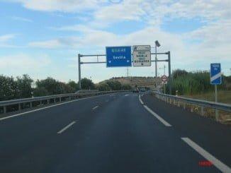 El accidente se ha producido al incorporarse el camión a la Autovía a Sevilla