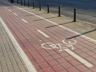 Según el convenio firmado, la Junta construiría 28,9 km de carril bici y el Ayuntamiento unos 10