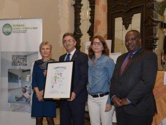 El premio es un dibujo hecho por un alumno de la Escuela Primaria de Motepuez (Bilibiza, Mozambique)