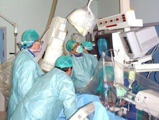 Intervención de corazón sin cirugía en un hospital
