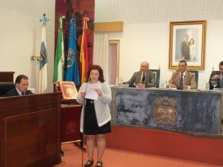 Ruth Ortiz lee una declaración que reivindica la eliminación de la violencia contra las mujeres