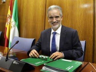 Aquilino Alonso, consejero de Salud de la Junta presenta los presupuestos sanitarios para 2017