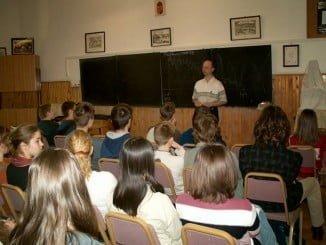 La Sentencia obliga  a devolver la extra en las mismas condiciones que al profesorado interino