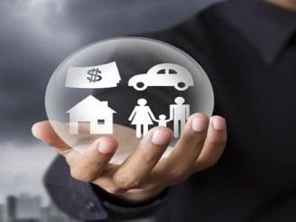 El gasto del español en seguros cae, y el del automóvil sigue siendo el que mayor porcentaje se lleva en un hogar