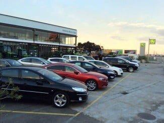 La venta de coches en noviembre modera su crecimiento y no llega a los niveles del mismo mes del año pasado que fue muy bueno para los concesionarios