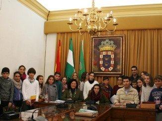 Con motivo del Día de la Constitución se celebró en el Ayuntamiento de Valverde un pleno infantil.