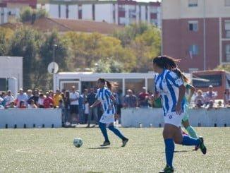 Las chicas del Sporting recibe al Español en los campos de La Orden antes del parón navideño.