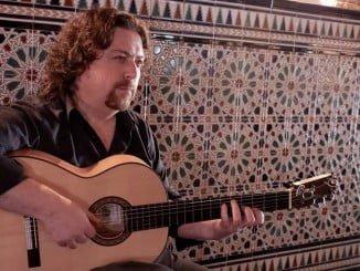 Expectación ante el espectáculo de José Luis de la Paz (José Luis Rodríguez) este viernes en Huelva.
