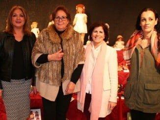 Mari Carmen Borrero ha cedido gustosamente su colección de muñecas antiguas para esta exposición