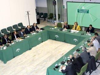 Carmen Ortiz se ha reunido con representantes del sector acuícola y pesquero