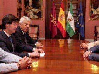 La plataforma de  'Sevilla con su Puerto' vuelve a atacar a Huelva.