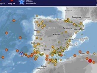 En el mapa las zonas de mayor actividad sísmica, en la que destaca todo el suroeste penisular formado por las costas de Huelva y del Algarve portugués.