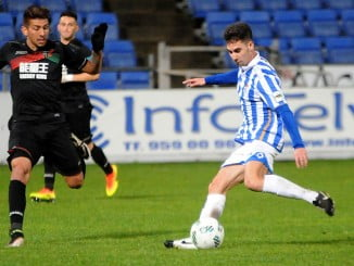 El Recreativo gozó de varias oportunidades de gol al final del partido pero el balón no quiso entrar.