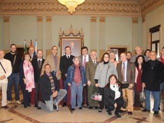 Miembros del Consejo Evangélico junto al alcalde tras la firma del convenio