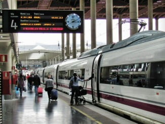 Una avería en la electrificación de las vías de Atocha, causa del retraso de hasta 10 trenes esta mañana