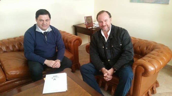 El vicerrector de la UNIA ha realizado una visita institucional al presidente de la FOE