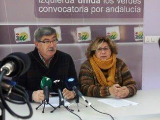Juan Manuel Arazola y Mónica Rossi, concejales de IU en el Ayuntamiento de Huelva