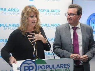 """Pilar Miranda, junto a Manuel Andrés González, califica de """"ilusionante"""" su nueva responsabilidad"""