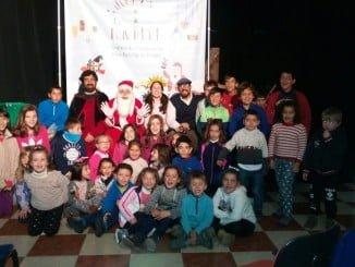 Los participantes en esta campaña de concienciación ciudadana en Arroyomolinos de León