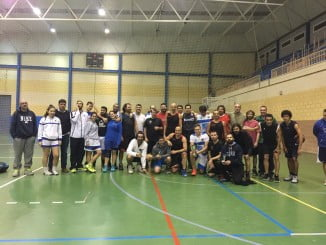 Participantes en el torneo, un homenaje a una de las personas que más ha hecho por el baloncesto onubense