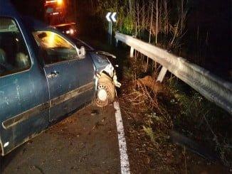 La persecución acabó en accidente, y aunque ninguno de los cuatro ocupantes resultó herido, el coche si sufrió graves desperfectos