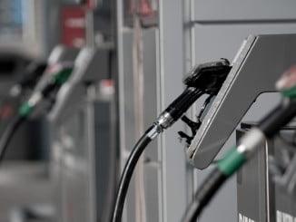 La gasolina bajó en noviembre, pero el IPC se mantuvo