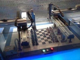 La Automatización Industrial es la aplicación de diferentes tecnologías para monitorear un proceso