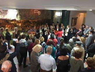 El colectivo de mayores, disfrutando de la Navidad en el Centro Social del Lazareto