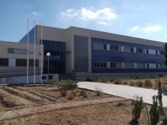 El instituto Odón Betanzos,en Mazagón, uno de los que pasan a ser de la Junta