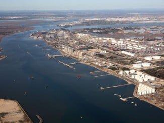 La Junta media en el conflicto entre el Puerto de Huelva y el de Sevilla