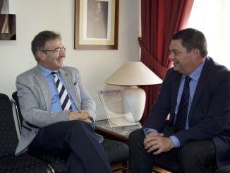 El nuevo vicerrector de la UNIA visita al rector de la Onubense