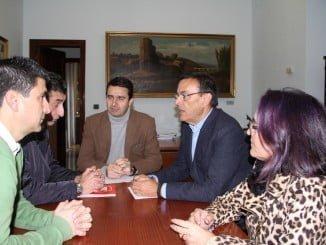Caraballo y miembros del PSOE han mantenido una reunión con UGY y CCOO