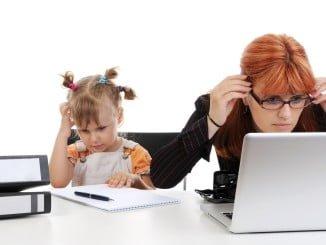 El teletrabajo permite entre otras cosas conciliar la vida laboral con la familiar