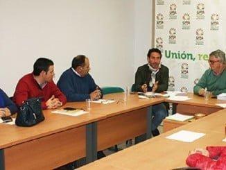 La consejera de Agricultura de la Junta se reúne con UPA