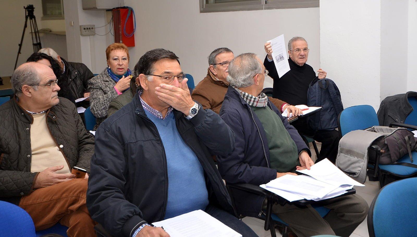 Socios asistentes a la Junta General de Accionistas del Recreativo del 10 de enero del 2017.