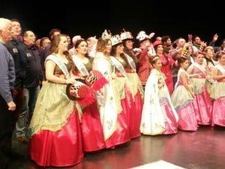 El carnaval colombino levantó el telón en la Casa Colón con el pregón y la coronación de sus Choqueras Mayor e Infantil.