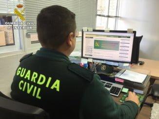 La Guardia Civil ha procedido a la investigación de dos menores de edad en la localidad de Cala como presuntos autores de los delitos