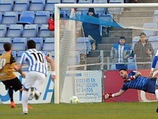 A partir del penalti el Recre se hundió y se quedó con diez jugadores.