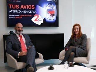 María Gonzalo y Joaquín Abril, representantes de Avios y Cepsa, respectivamente, se muestran encantados con el acuerdo