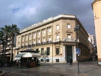 La reunión del lunes para abordar el futuro de la rehabilitación del edificio del Banco de España, se pasa al miércoles