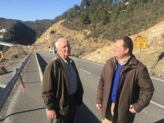 David Toscano recuerda que esta carretera es uno de los puntos de unión entre Huelva y Portugal