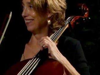 """La chelista de la Real Orquesta Sinfónica de Sevilla, Gretchen Talbot, acompañara a María A.R. en su lectura del poemario """"Física elemental"""""""