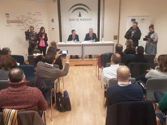 El delegado del Gobierno y el delegado de Economía presentan en rueda de prensa el programa formativo