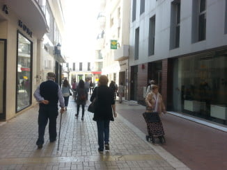 Los mayores con pensiones mínimas sólo pagarán la mitad de impuesto de basuras en Huelva