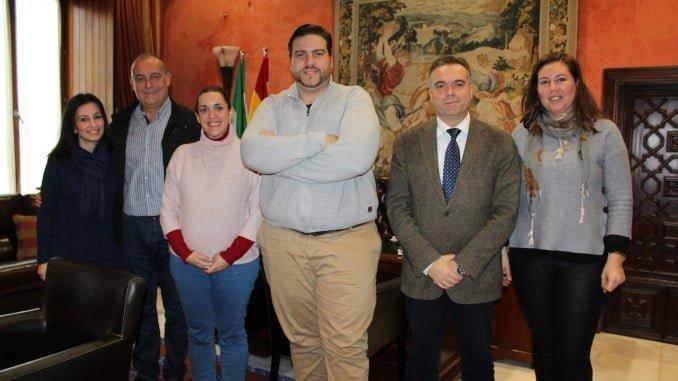 Xanty Elías visita la Palma del Condado donde dentro de unos días recogerá su premio de cultura 2016 que anualmente otorga la Asociación Luis Felipe de Huelva