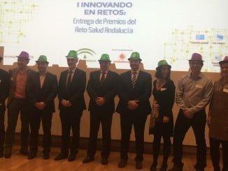 Los consejeros de Salud, Aquilino Alonso, y de Empleo, Empresa y Comercio, José Sánchez Maldonado, han entregado esta mañana los premios a los ganadores del primer 'Reto Salud Andalucía',