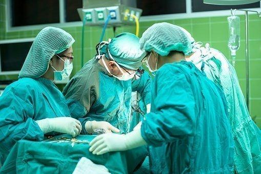 La Junta va a regularizar a los trabajadores eventuales de Salud en el 2017.