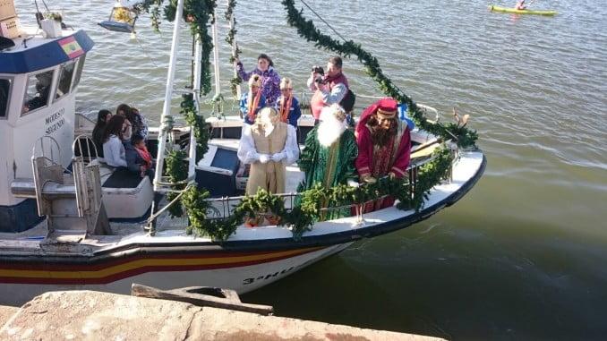 Los reyes magos llegaban en barco a Isla Cristina