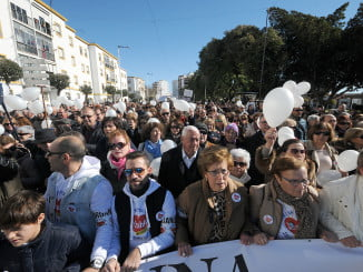 Huelva ha protestado masivamente en dos manifestaciones contra  la fusión y por una Sanidad digna